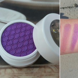 Super Shock Shadow: Dare, Left swatch: Brush, Right swatch: Finger
